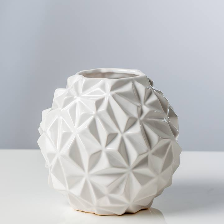 CRUMPLE BALL VASE WHITE Cameo Collection : 902369B 2 from www.cameocollection.ca size 720 x 720 jpeg 20kB
