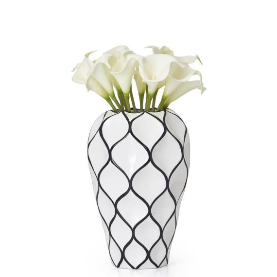 Abstract-Lattice-Vase