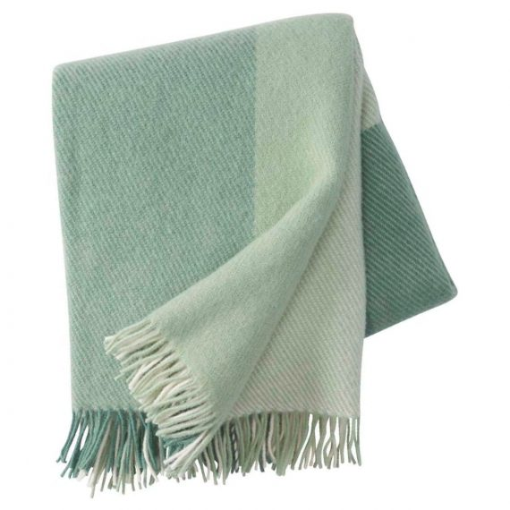 field-brushed-eco-lambs-wool-throw-green-8_png_2048x